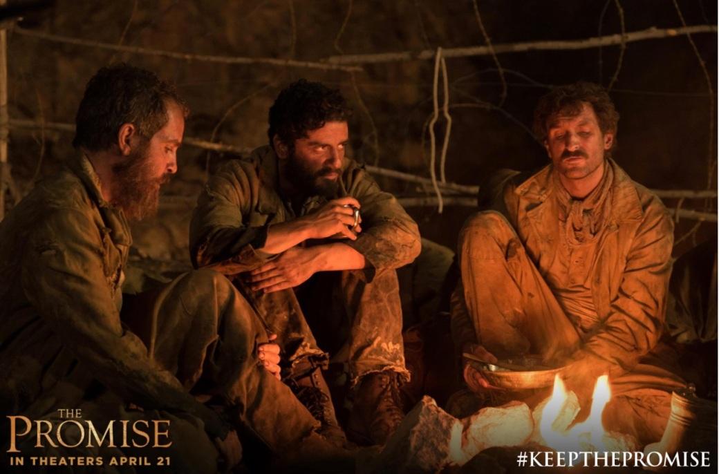 Oscar Isaac como Michael, a promessa ganhou outro significado: o genocídio armênio não pode ser esquecido